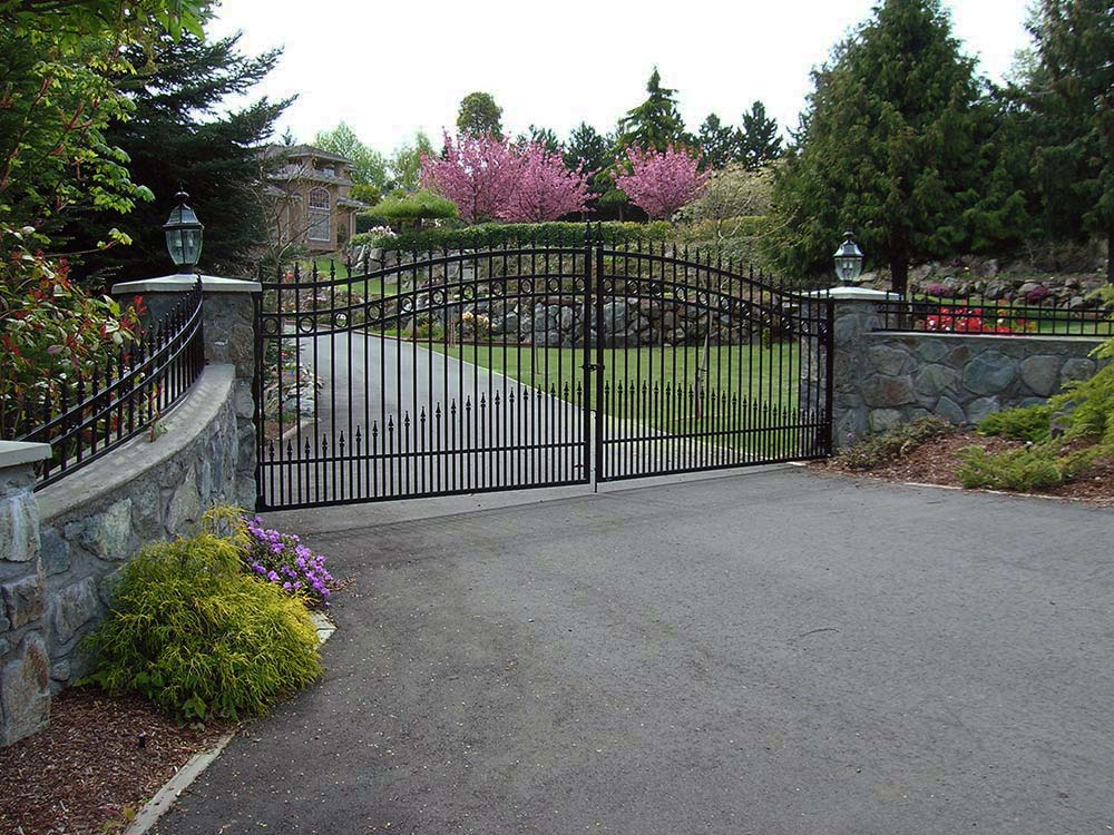 Ornamental fencing tower fence products